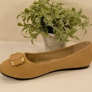 Shoes - Tan Suede Flat F0705